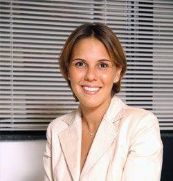 Alice Gontijo Currículo