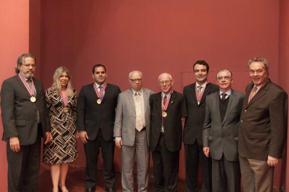 Foto+Medalha+IAMG+1+-+Crédito+Sérgio+Falci